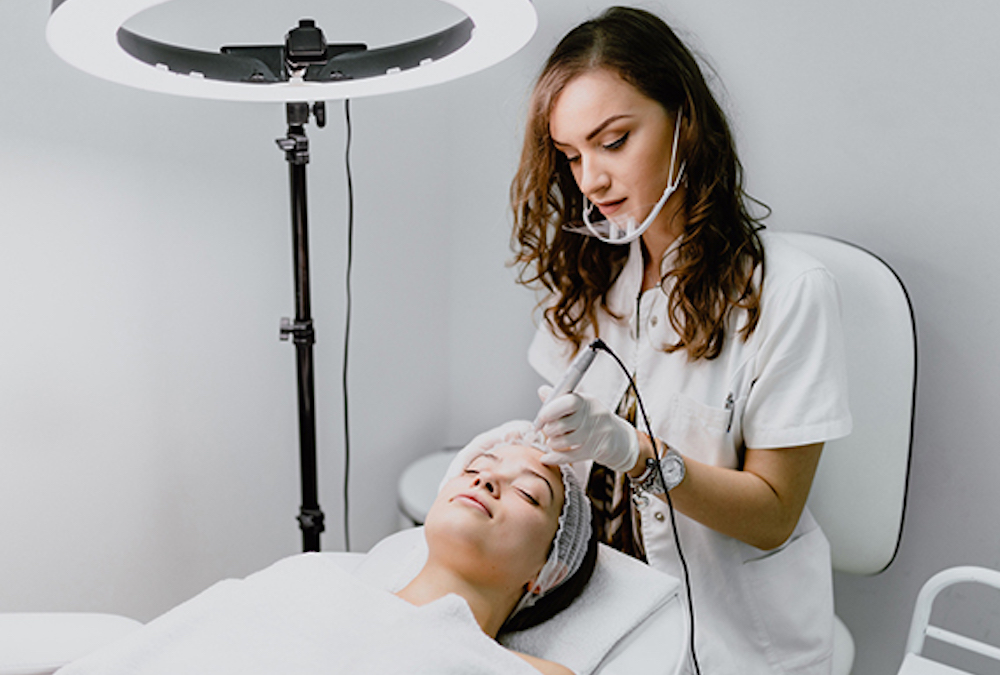 Microneedling and Radio Frequency Full-Body Treatment